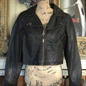 🎄Liz Lange Faux Leather Maternity Crop Jacket XS
